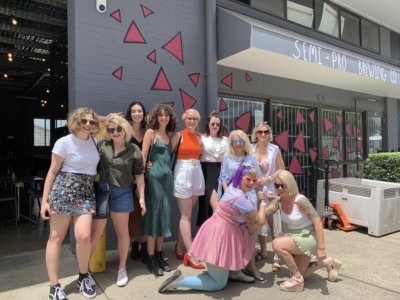 BNE Colourful Hens Semi Pro exterior